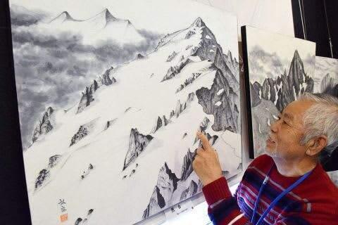 山行の思い出水墨画に クライマー宮下さん個展