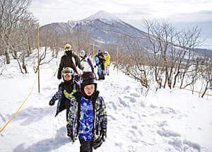 「雪上徒歩ルート」開通! アルツ磐梯と猫魔スキー場をつなぐ